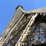 Eiffel-tower-007