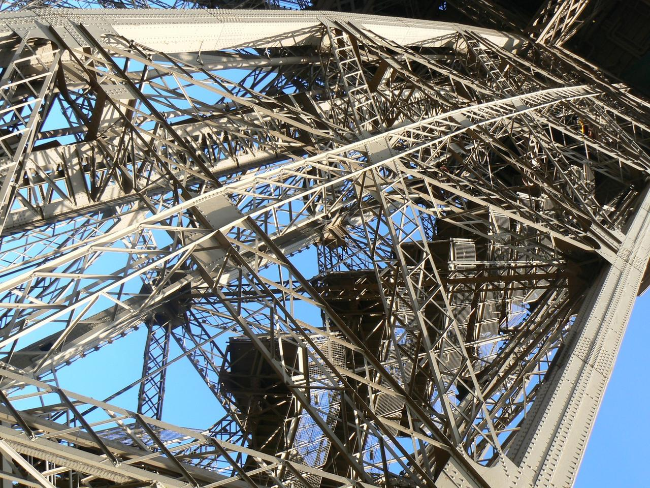 Eiffel-tower-016