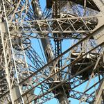 Eiffel-tower-018