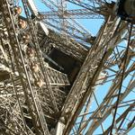Eiffel-tower-020