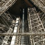 Eiffel-tower-022