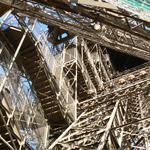 Eiffel-tower-037